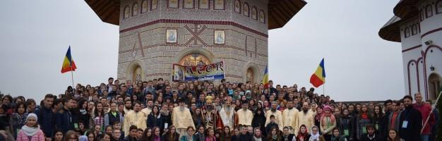 """Elevi ai Seminarului Dorohoian prezenți la """"Tânărul Botoșănean"""""""