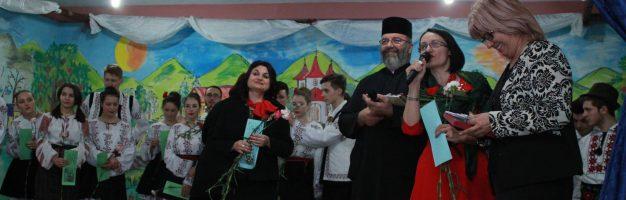 Spectacol la Vârfu Câmpului organizat de Seminarul Teologic Dorohoi