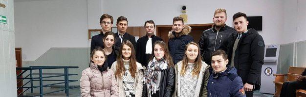 Educație juridică pentru seminariștii dorohoieni la Judecătorie